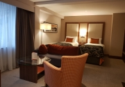 Family-Suite-Room-Clayton-Silver-Springs (1)